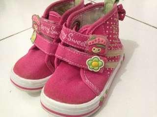 Sepatu batita #bersihbersih