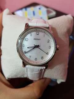 AUTHENTIC DKNY WATCH ORIGINAL LEATHER