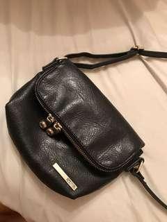 Kenneth Cole side purse