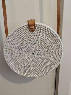 White straw circle bag
