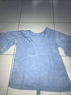 Blus biru