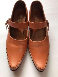 🚚 皮革質感 尖頭繫帶低跟 方便鞋 百搭