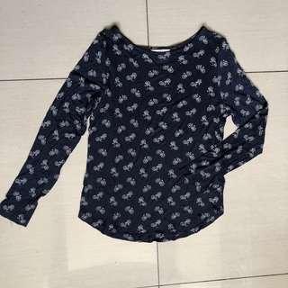 H&M navy blue printed top