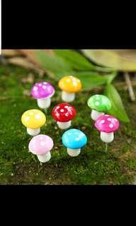 Mini Garden Mushroom Terrarium Ornament