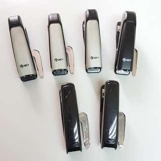 二手 釘書機 五蚊一個  買兩個送一盒釘 black stapler staplers 黑色 杏色
