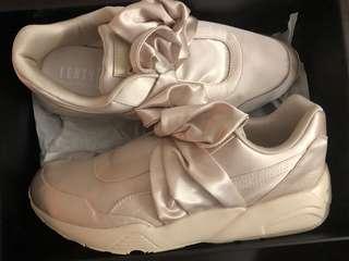 Brand New Fenty x Puma Bow Sneakers Size 10