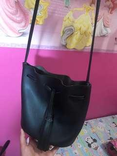 Miniso slingbag