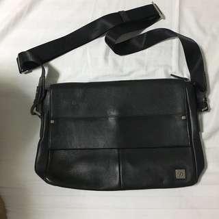 ST Dupont Mailman bag