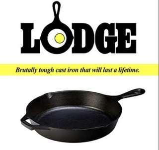 "Lodge cast iron skillet 10.25"" preseasoned"