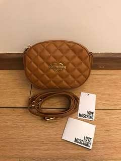💯 authentic love moschino sling bag for let go!!