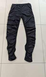 Black glossy legging