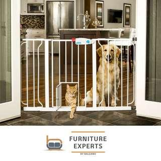 Carlson Extra-Wide Walk-Thru Gate with Pet Door