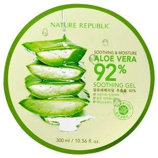 NATURE REPUBLIC SOOTHING & MOISTURE ALOE VERA 92%SOOTHING GEL 00ML (EXP DATE 3 APRIL 2020)