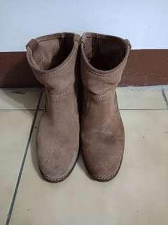🚚 咖啡色短靴
