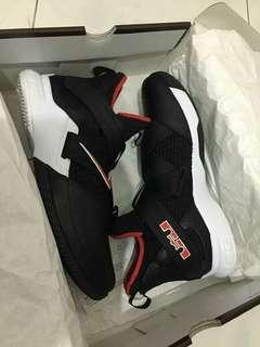 """Lebron Soldier 12 """"Bred"""""""