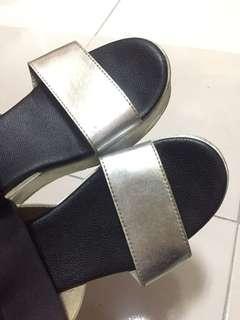 🚚 二手厚底涼鞋