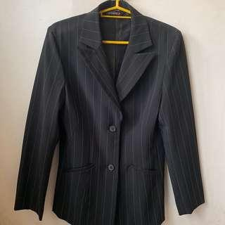 Essenxa 2-buttoned Suit