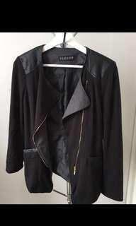 Black Blazer super classy