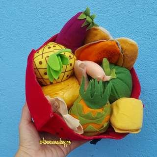 Food in a Picnic Basket (Soft Toys)