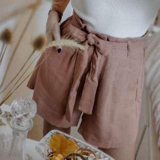 BNWT Mink Pink linen shorts size 10