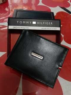 Tommy Hilfiger  Black Wallet 購自美國
