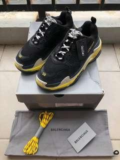 Balenciaga Triple S Black/Yellow .
