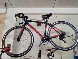 TRINX TEMPO ROAD BIKE