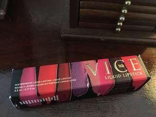 🚚 Urban Decay Vice Lipstick