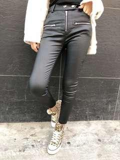 韓國薄絨仿皮貼身褲
