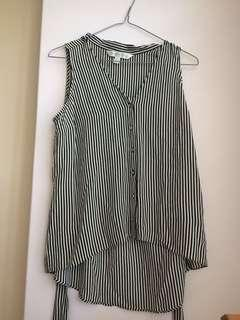 Sleeveless strip top