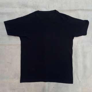UNIQLO BASIC TEE BLACK