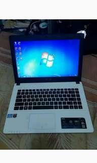 Laptop ASUS X452C, Intel i3, VGA AMD Radeon HD 8530M