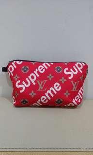 🚚 Supreme 潮牌化妝包 Cosmetic bag