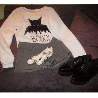 Fleece Sweater w/ Cartoon Bat Print + cute socks!