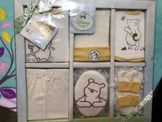 Brand new - 6 piece baby gift set
