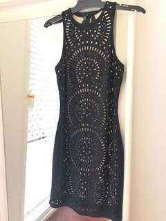 Bodycon lace pattern mini dress