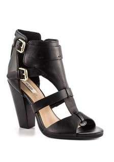 Guess womens shoes rrp $179