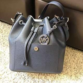 Michael Kors bucket bag (navy blue)