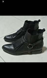 House of Avenue 黑色短靴