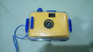 *Free* to give away LOMO film 22mm underwater camera