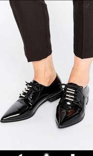 Pointed Patent Lace Up Shoes