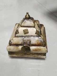 🚚 獸骨珠古董寶盒