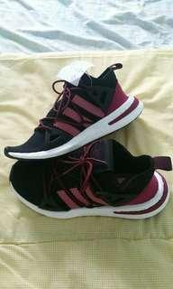 Adidas Arkyn Shoes Women core. Black/Trace Maroon / Mystery Ruby