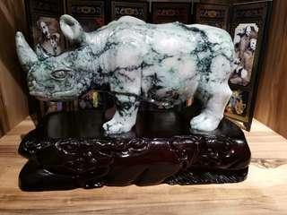 翡翠A货-大犀牛 30cm