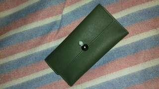 Dompet warna army