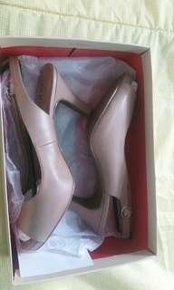 Preloved Women Shoes