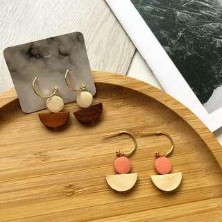 🚚 Oakley Earrings