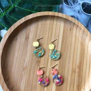 🚚 Cal Earrings