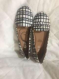Cotton On Close Shoes