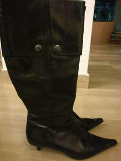 Lk Bennett blk leather kitten heel boots